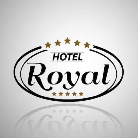 HOTEL POUSADA ROYAL -  ACONCHEGANTE - Lobato - Bed & Breakfast