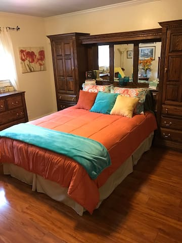 Private bedroom and bath in beautiful Pleasanton - Pleasanton