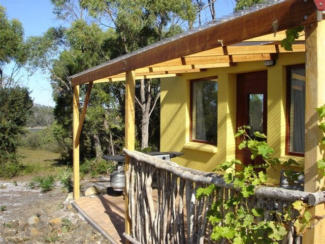 Mickeys Bay Cottage - South Bruny - Cabin