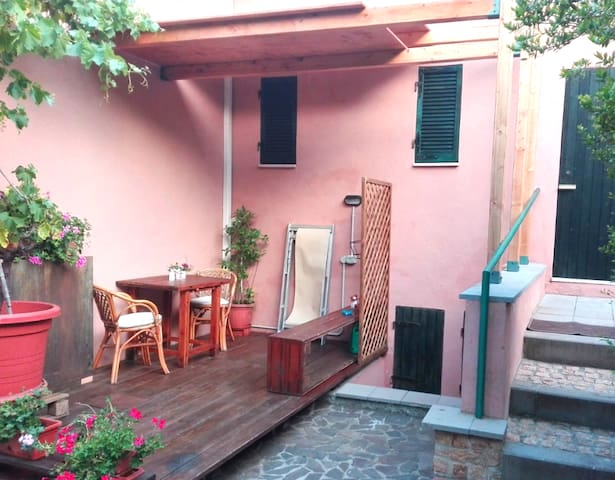 Studio apartment distant 150 meters from Beach