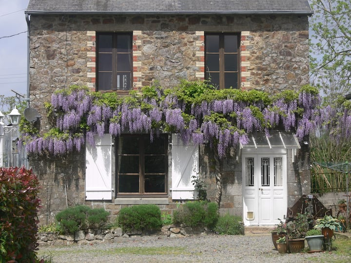 Farmhouse with pool Nr. Le Mont St Michel