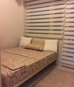 Fully Furnished 1-Bedroom Unit - Quezon City - Lyxvåning