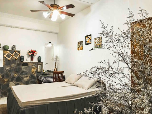 Mai'house- NEW spacious bedroom with antique touch