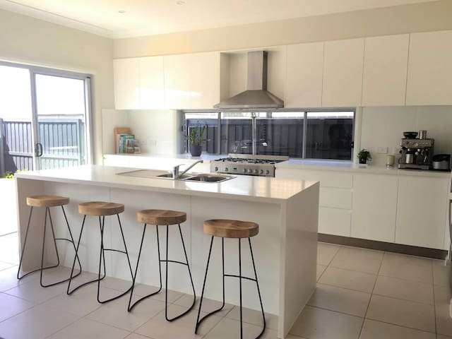 Mc Cauley Beach Estate Holiday Home - Bulli