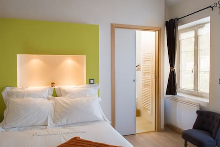 Room Question de sens - Beynes - Bed & Breakfast