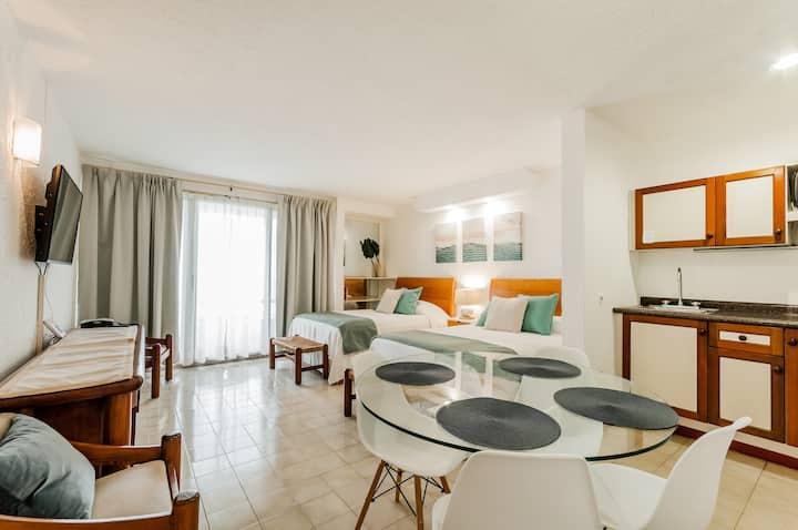 Inviting Ocean View Hotel Zone Studio 2609