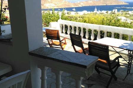 "Room ""2"" with sea view for 2 people - Σέριφος - Eiland"