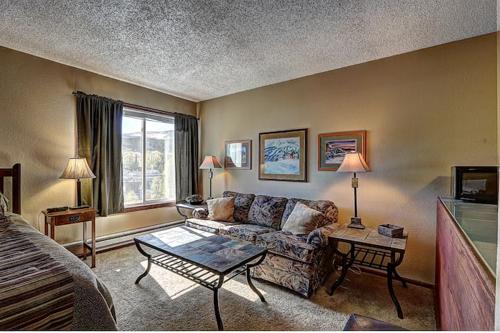 Location Rocks! Ski-in #108 Condo - Breckenridge