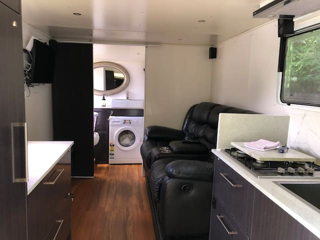 Modern Caravan / No En-suite (shower only)