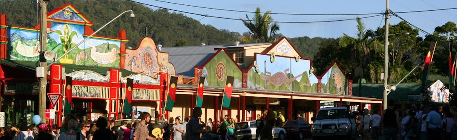 Jump back to the Flower Power and the Aquarius Festival era: visit Nimbin! A hippie town renowned for its colourful population and eccentricity