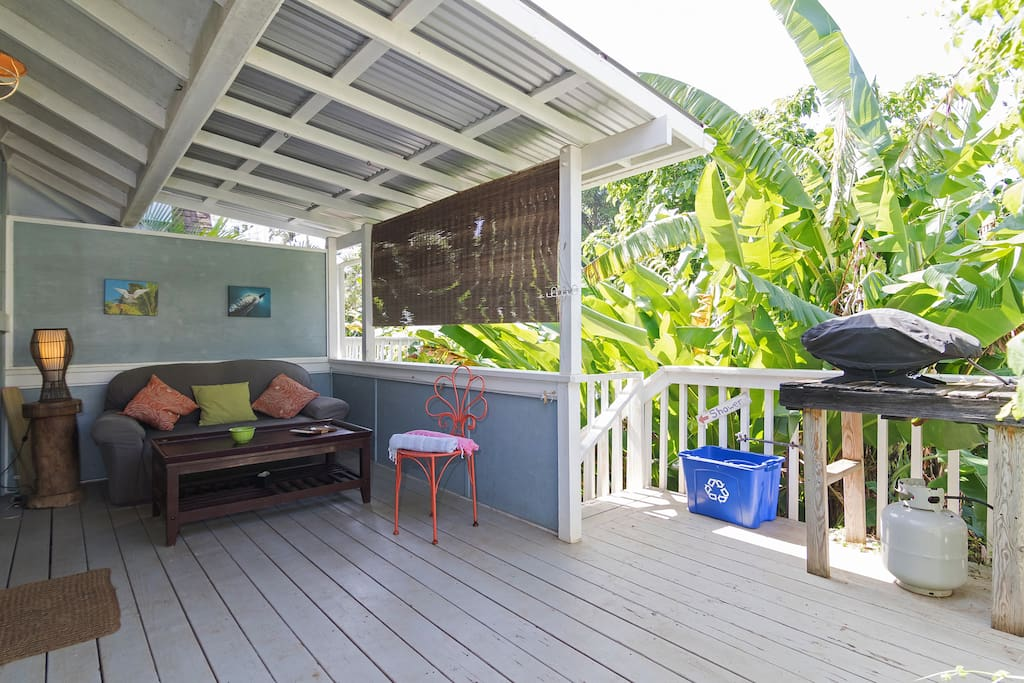 use the outside grill under the Hawaiian sunshine.