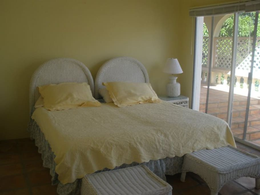 Large-bedroom with private access to porch, private bathroom and beautiful mountain views