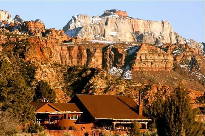 ZionVilla : Located inside & surrounded by Zion NP