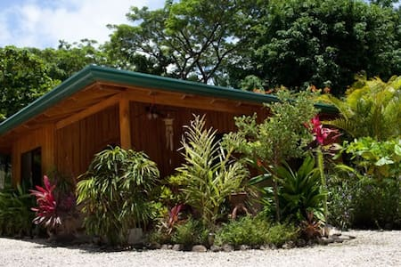 Villa CARAMBOLA-Villas Solar, Walk to Beach/Surf