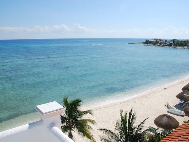 Akumal 3B/3B Beachfront Condo-Views