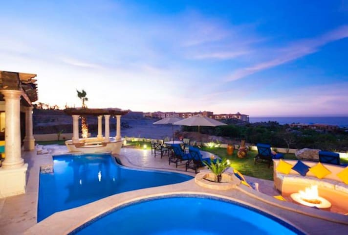 Captivating 3BR with Pool Sleeps 10 Guest in Cabo