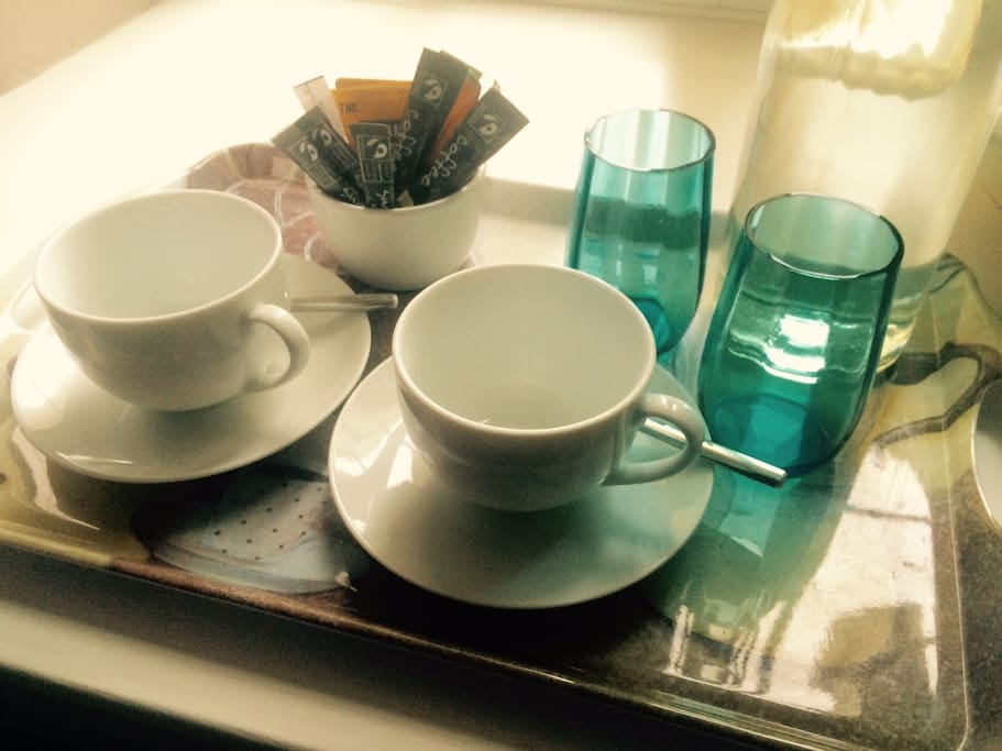 In room drinks tray