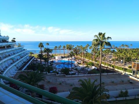 Apartment with fantastic sea view Playa el Duque