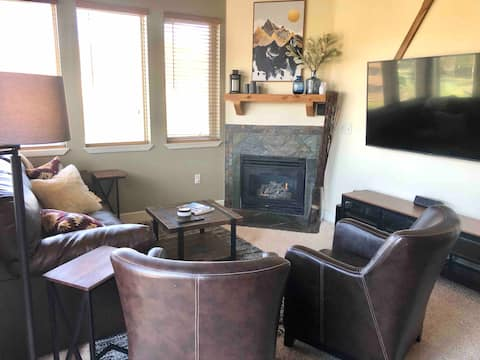 Cozy Mountain Escape Perfect for Families & Groups