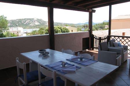 Casa di Francesco,appartamento spazioso, 2 terrazz - Cannigione - Huoneisto
