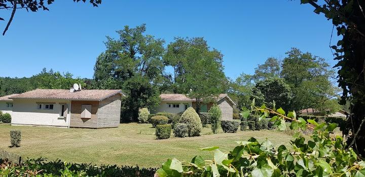 ❣❣ Charmant Cottage -terrasse bord de lac et forêt