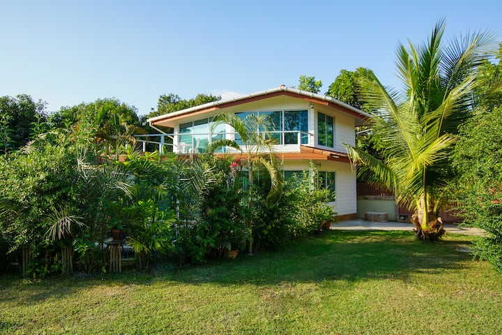 Gardenhouse with private pool - 7min to the beach