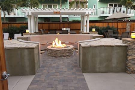 Luxury Beach Vacation Rental 1 - Carlsbad - Condominium