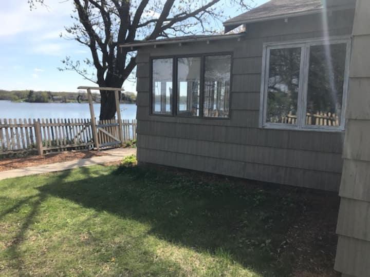 Lake Minnetonka Lakeside Cabin