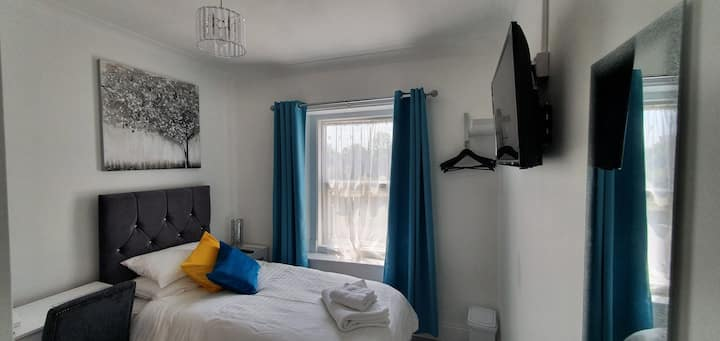 Single Room at Holly Lodge Guest House