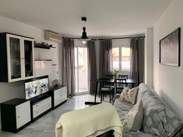1 bedroom APARTMENT - BALCONY - Ideal Parejas-WIFI