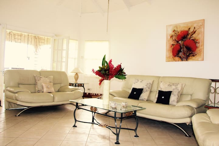 Ocean View Apartment - 3 bedrooms - 6 persons