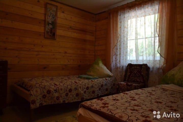Сдам  посуточно, семейный отдых, отдых группами - Severtsevo - Dům