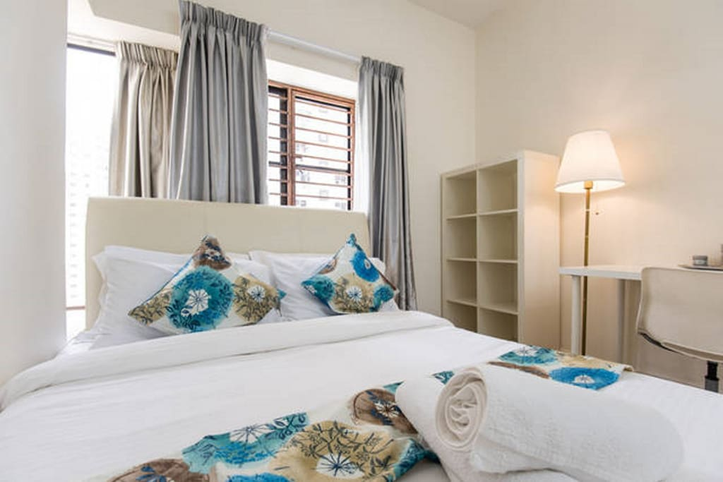 Beach themed suite with Queen size bed
