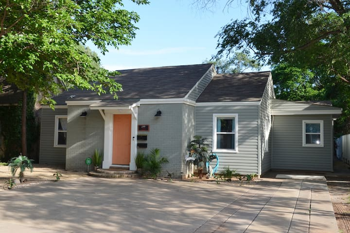 Copacabana, walking distance to Texas Tech!