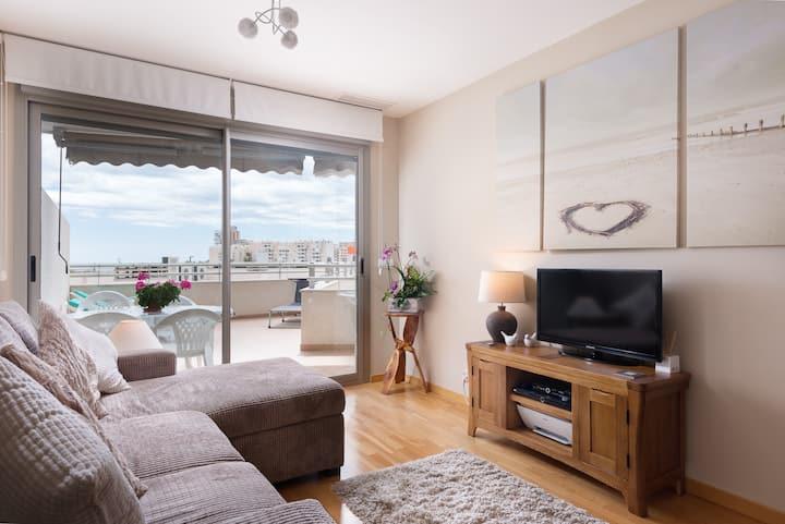 Luxury 2 Bedroom Beach Apartment with Terrace