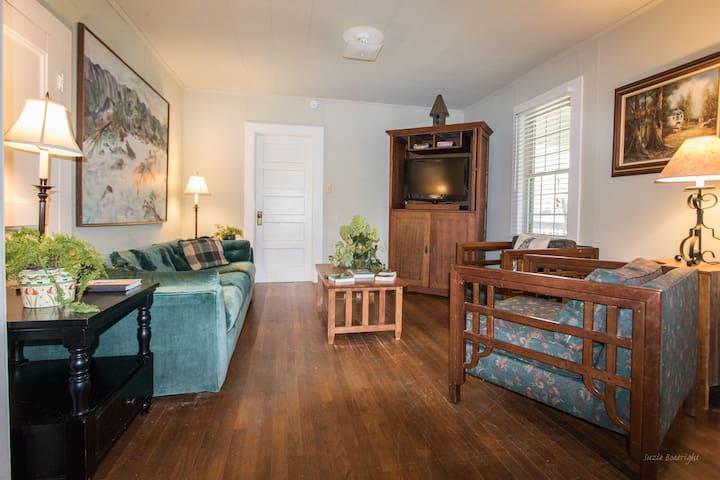 Living area, secured internet, Direct TV