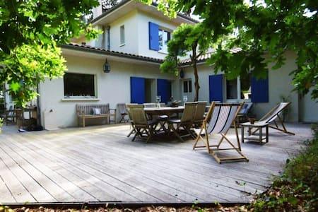 Charmante villa au Cap Ferret à 2 pas du Bassin