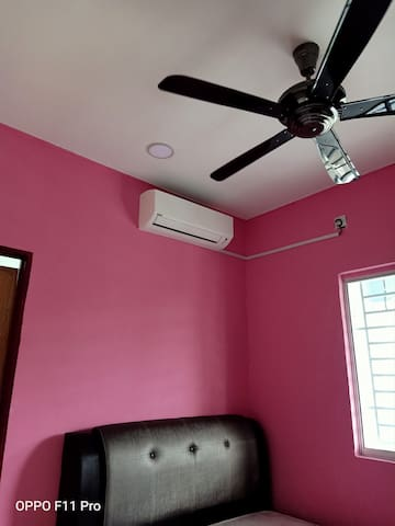 Aircond and fan at masterbedroom. Other bedroom with Aircond