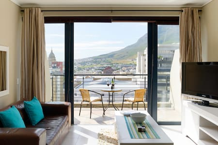 Cape Town Loft with Views - Kapstadt