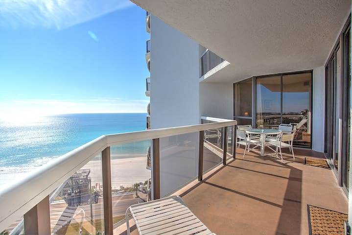 Balcony affords beautiful unobstructed views of the emerald green water.