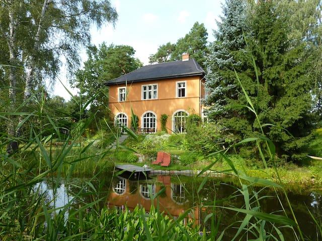 Villa am Berliner Stadtrand  - Woltersdorf - Hus