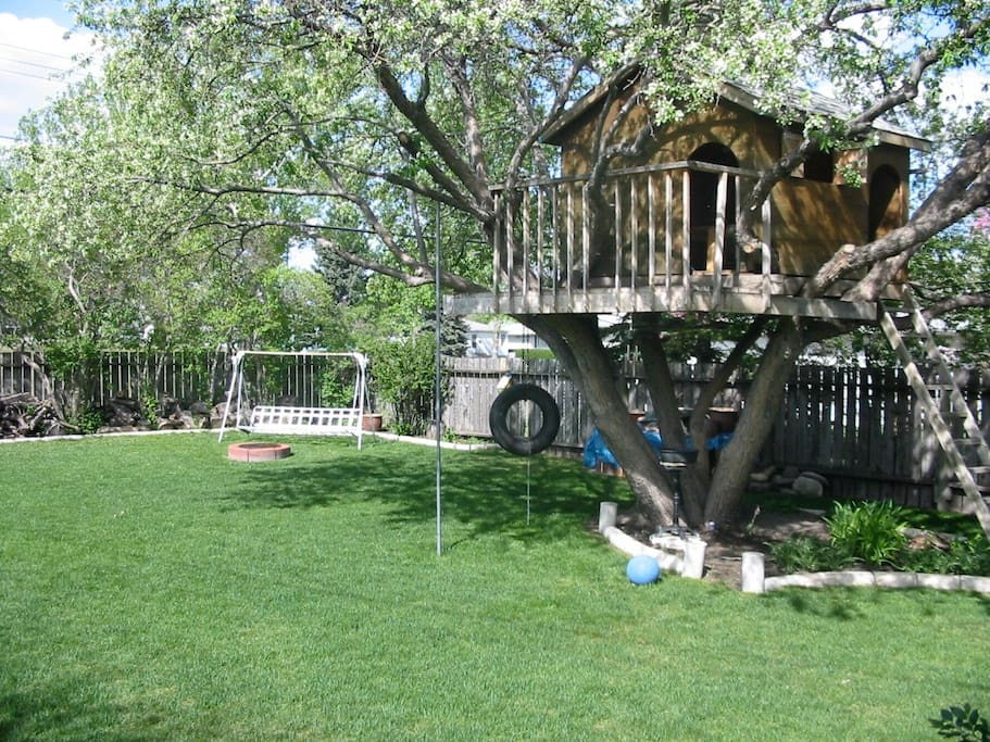 A lovely trimmed back yard for your spring and summer leisure. Snow shovelling in the winter for your doze of exercise! And our famous treehouse. A guest actually slept in it for 3 days because it brought back childhood memories!!  It was a lovely summer.