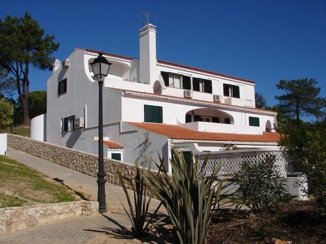 Spacious Apartment in Vale do Lobo - Faro - Appartement