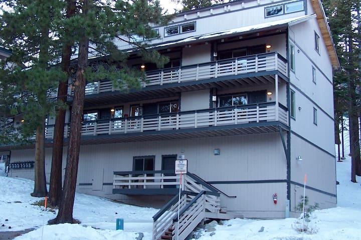 "Perennial VC ""N""/Tahoe Village, NV. - Stateline - Appartement en résidence"