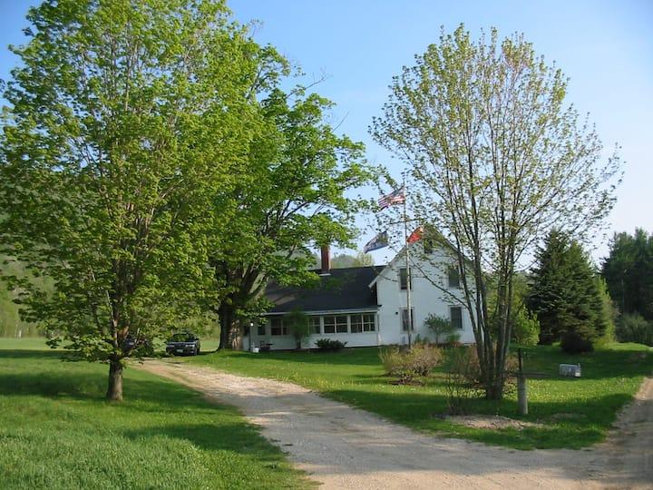 19th Cty Vt Farmhouse 100+ Acres