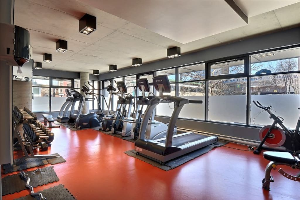 Fully equipped gym with tvs