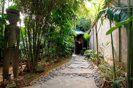 Bali cozy villa near blue ocean - Kuta - Villa