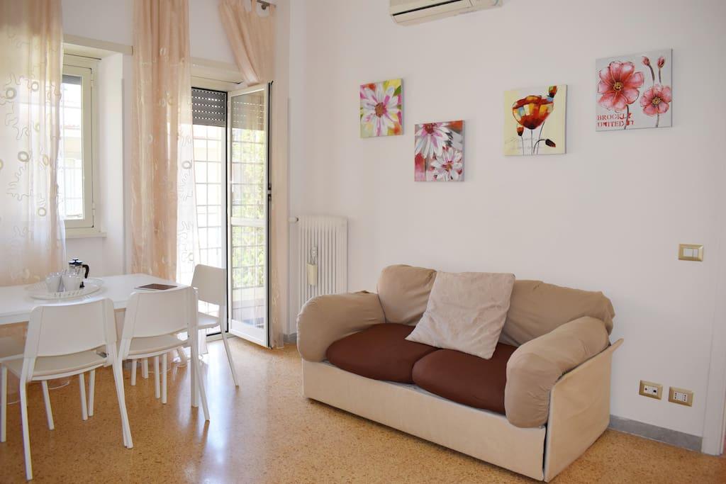 Comodo divano letto matrimoniale- Comfortable double sofa bed