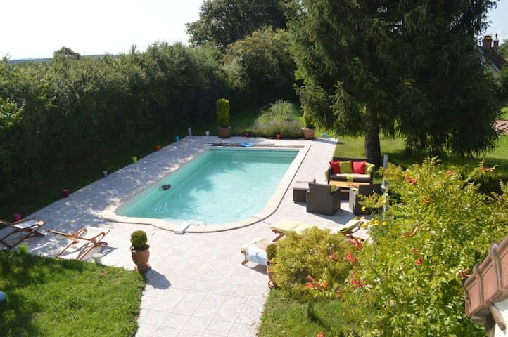 location gite de vacances avec piscine prive et chauffe entre loire et morvan en bourgogne - Gites De France Avec Piscine Privee
