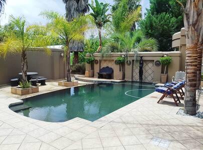 50 Klein Karoo- Aloe Unit